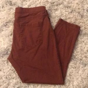 Great used condition! Rust colored stretch jeans!